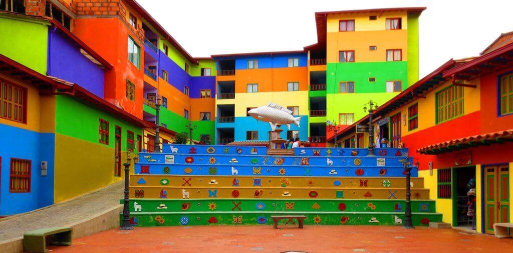 Escadaria de Medellín, na Colômbia