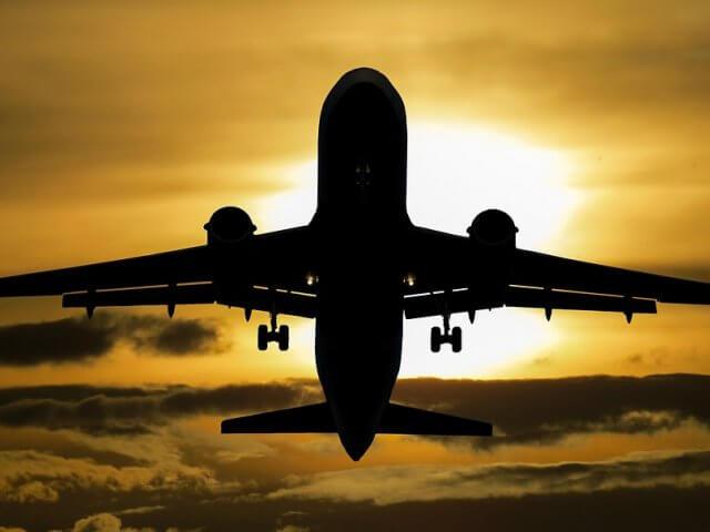 Tempo de avião para a Colômbia