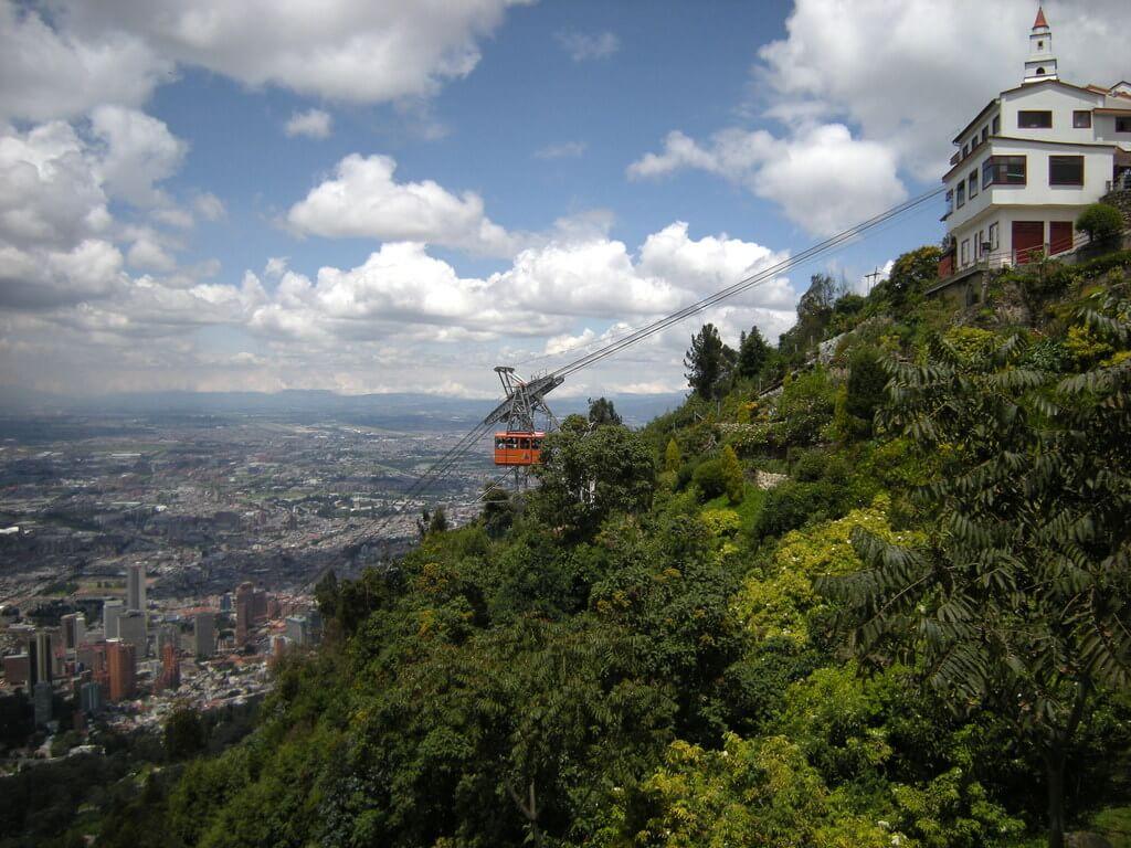 Acessibilidade em pontos turísticos de Bogotá