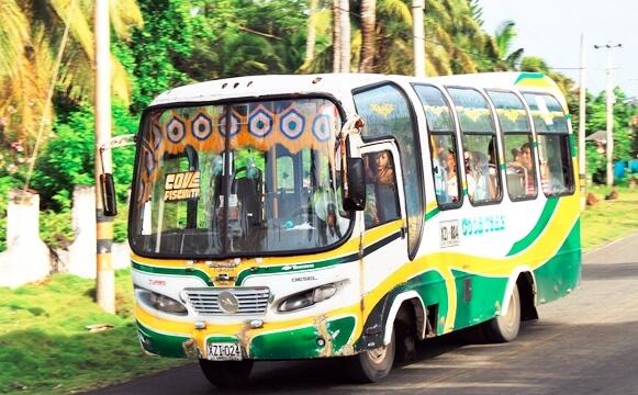 Como andar de ônibus em San Andrés
