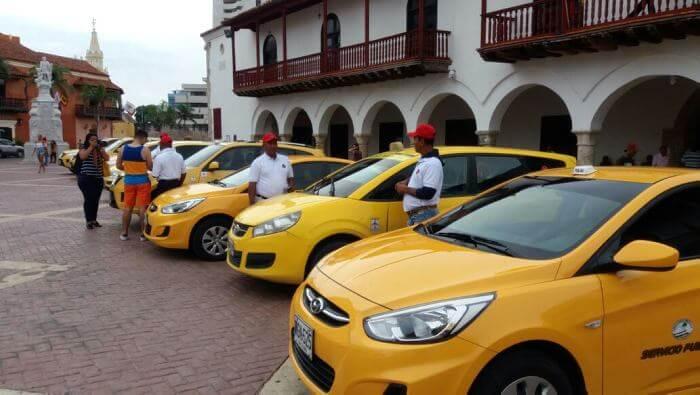 Gorjetas em táxis daColômbia