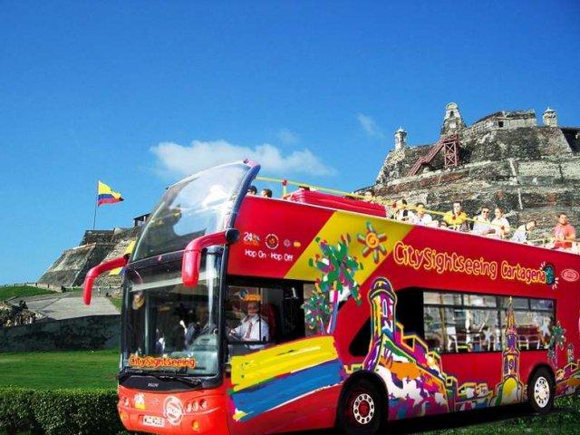 Passeio de ônibus turístico em Cartagena