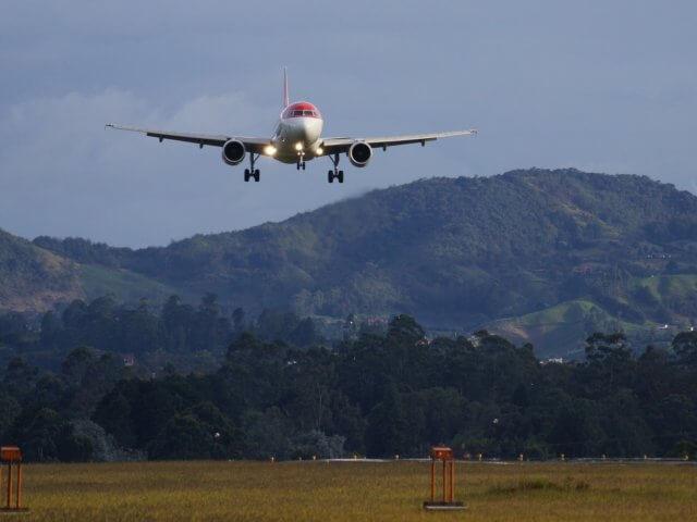 Quanto custa uma passagem aérea para Medellín